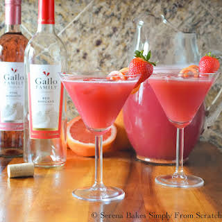 Sparkling Strawberry Grapefruit Moscato Punch.