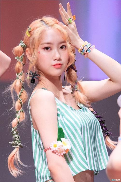 jiho blonde 26
