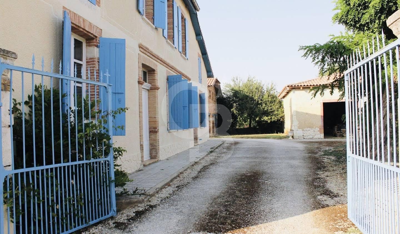 Villa avec piscine et jardin Beaumont-de-Lomagne