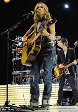 Photo: 10 Oct 2008, Los Angeles, California, USA --- Recording artist Sheryl Crow performs live for 25 students from The Long Beach Community Action Partnership at GRAMMY Foundation's GRAMMY SoundChecks program prior to her benefit concert at The Wiltern Theater, in Los Angeles. --- Image by © Katy Winn/Corbis