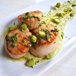 Seared Scallops with Fresh-Picked Chickpea Hummus, Thumbelina Carrots, and Mint and Carrot Green Pesto