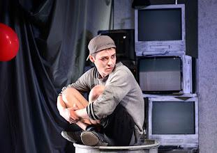 "Photo: WIEN/ Burgtheater/Vestibül: ""FAMILIENGESCHICHTEN.BELGRAD"" von Biljana Srbljanović, Inszenierung; Annette Raffalt. Premiere am Donnerstag, 23. April 2015. Aaron Roell, Copyright: Barbara Zeininger"