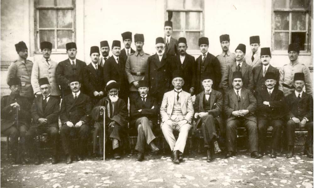 C:\Users\alialpercetin\Desktop\UNUTULAN POZANTI KONRELERİ\Erzurum Kongresi Heyeti.jpg