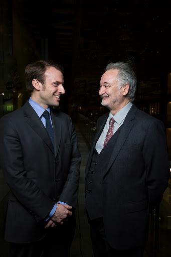 Club Les Echos Débats avec Jacques Attali, Economiste et Emmanuel Macron, Secrétaire général adjoint de la présidence de la République