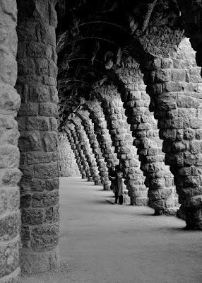 Tra questi strani corridoi di Luca Mandelli