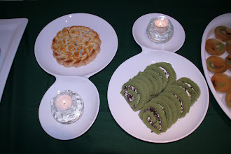 Photo: Green tea sponge cake.