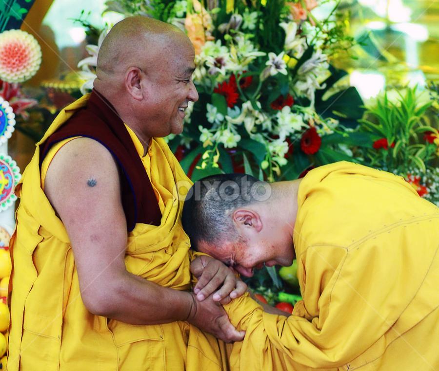 *** Respect *** by Steven De Siow - People Street & Candids ( monks, tibetan, spiritual teacher, people, rinpoche )