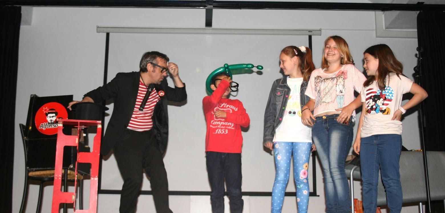 número de mentalismo para niños en teatro Carboneras 2015