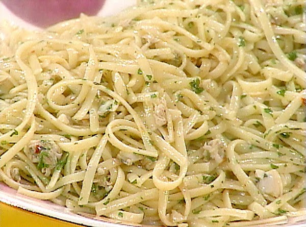 Fast And Easy Linguine With White Clam Sauce Recipe