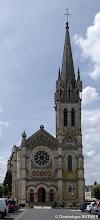 Photo: Eglise Saint Etienne de Briare, elle a été bâtie avec un style romano-byzantin entre 1890 et 1895. A l'extérieur comme à l'intérieur, elle est recouverte d'émaux très colorés. A l'intérieur, la totalité du sol en est décorée. Les mosaïques représentant les signes du zodiaque sont  admirables par la qualité du travail effectué.