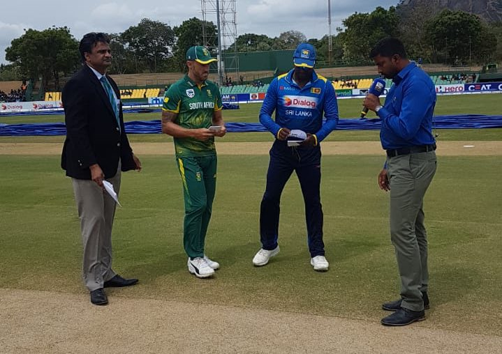 South Africa captain Faf du Plessis and his Sri Lanka counterpart Angelo Mathews at the toss on Wednesday August 1 2018 in Dambulla ahead of the 2nd ODI match.