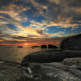 SUNset by Gerry Setiawan - Nature Up Close Rock & Stone
