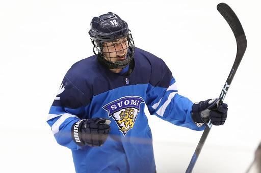 Leevi Aaltonen on mukana Suomen alle 18-vuotiaiden MM-kultaa puolustavassa joukkueessa. (Kuva: Suomen Jääkiekkoliitto)