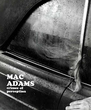 "Photo: Mac Adams, ""Crimes of perception"", 2003, Éditions du Regard, catalogue d'artiste"