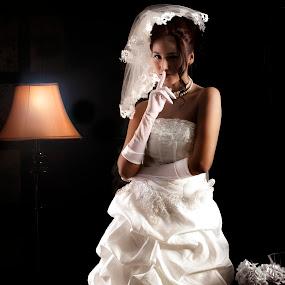 a lil'secret...... by Lie Oktevianus - Wedding Bride