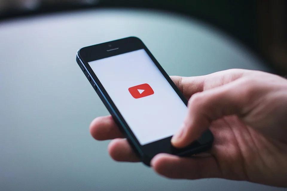 youtube logo op mobiele telefoon