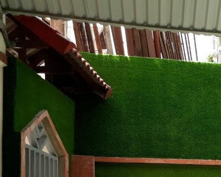Thảm cỏ nhựa trang hoàng quán ăn nhậu resort đẹp mắt