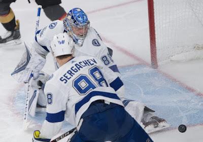 NHL: Le retour gagnant d'Andreï Vassilevski permet à Tampa Bay Lightning d'écraser Toronto