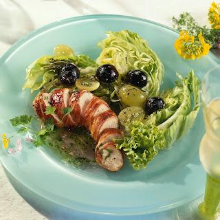 Blattsalate mit Fleischröllchen