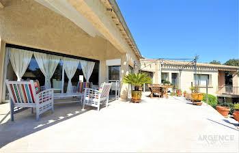 Villa 10 pièces 190 m2