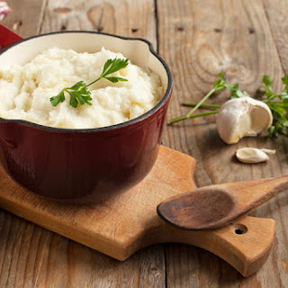 Slow Cooker Garlic Mashed Potatoes.