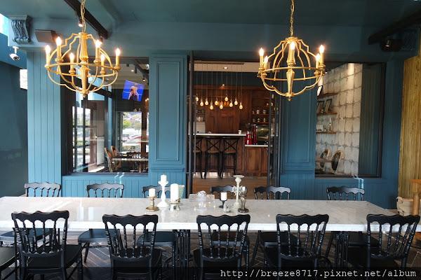 in's Café。迷人藍色歐風咖啡館