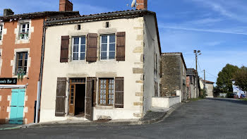 maison à Montemboeuf (16)