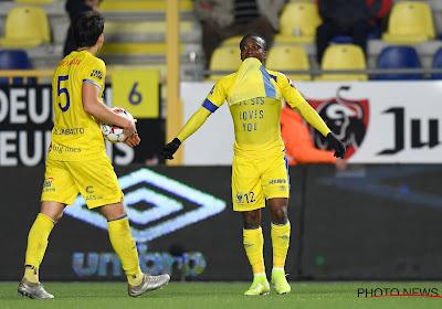 Wat een avond voor Samuel Asamoah: drie goals en een rode kaart