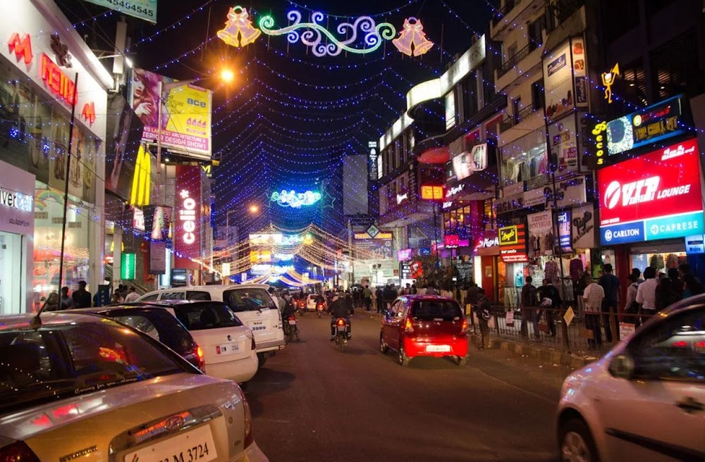 christmas-on-a-budget-bangalore_commercial_street