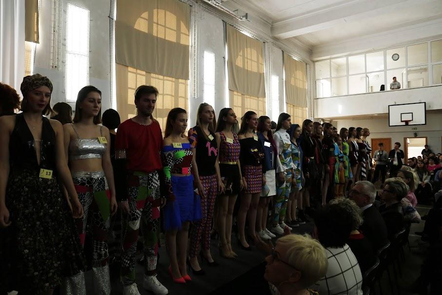 Zespół Szkół Odzieżowych Fryzjerskich I Kosmetycznych Nr 22