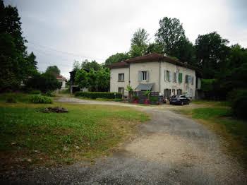 Maison 10 pièces 254 m2