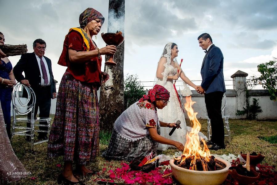 Wedding photographer Alejandro Souza (alejandrosouza). Photo of 16.10.2019