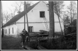 Photo: Budynek w majątku hr. Tarnowskiego (stoi i jest zamieszkany do dziś)