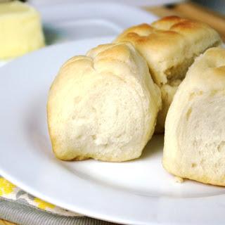 Easy Buttery Dinner Rolls