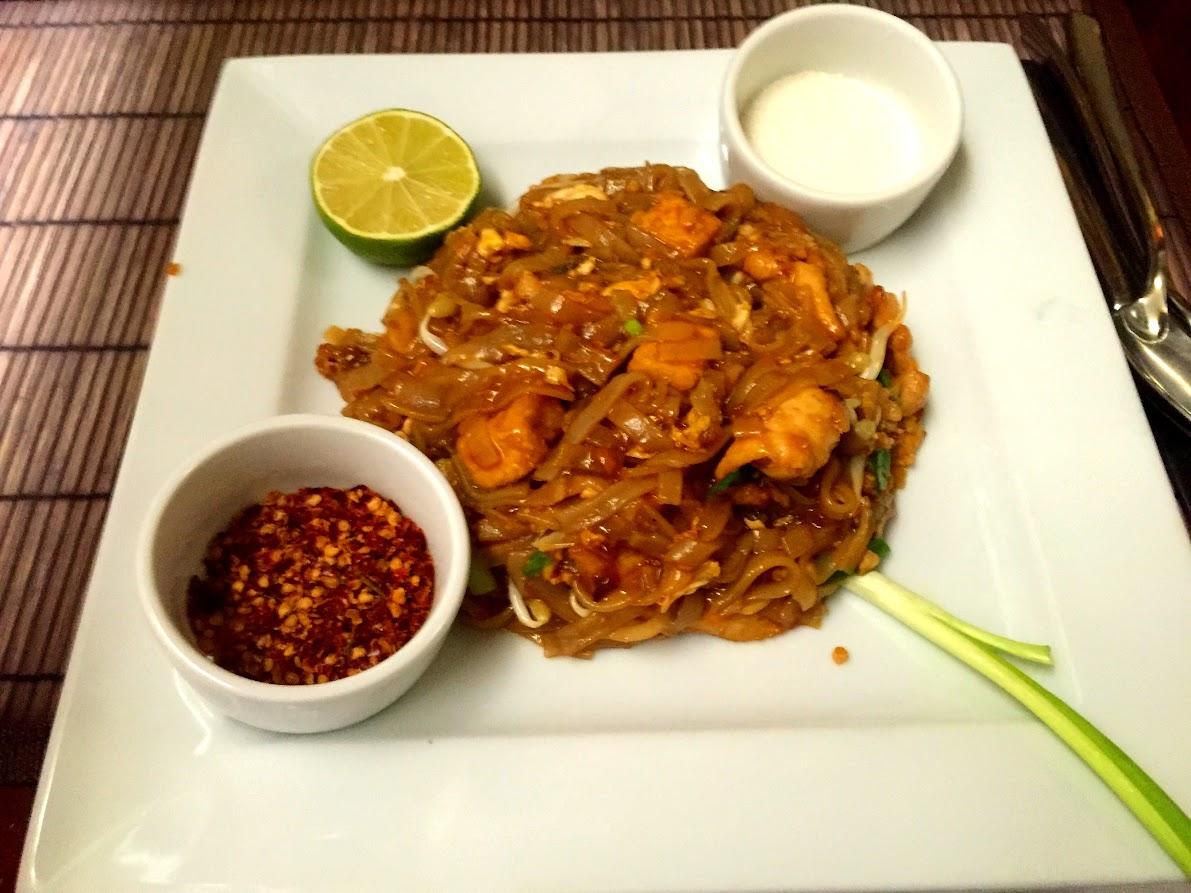 Пад Тай, лапша с курицей (Pad Thai)