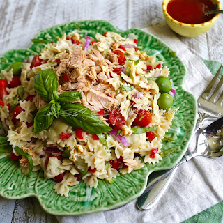 Tuna and Artichoke Pasta Salad with Sun-Dried Tomato Vinaigrette