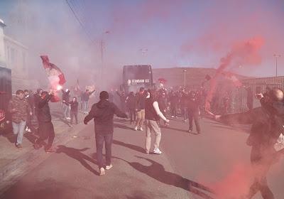 Les centaines de supporters présents aux abords de Sclessin : Marc Van Ranst réagit et tacle Willy Demeyer