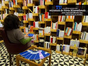 Photo: Llibre de microcontes i altres históries de Miramelsmots (Núria Pujolàs), fet a mà a Llibres Artesans desembre del 2014.