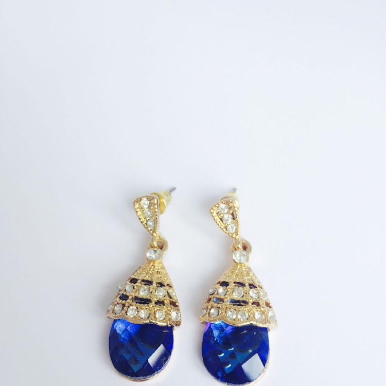 E048 - M. Lady in the Water Faux Gem Earrings