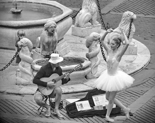 Danza sulle note. di Paguzzi