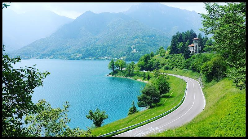 Lago di Ledro di vola in alto solo chi ha il coraggio di farlo