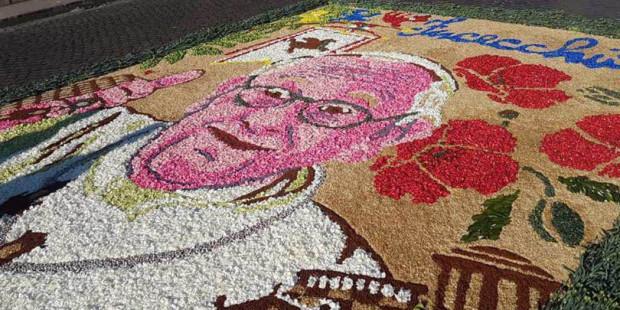 Hình ảnh: các thánh và các giáo hoàng bằng hoa