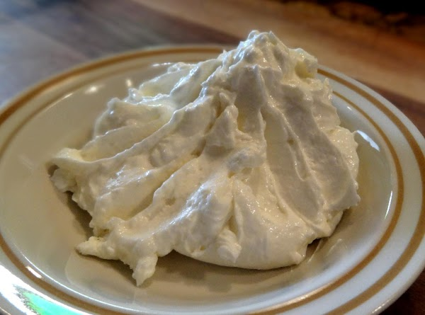 PREPARE THE DIET FROSTING: Combine the cream cheese, Greek yogurt, extract and splenda in a...