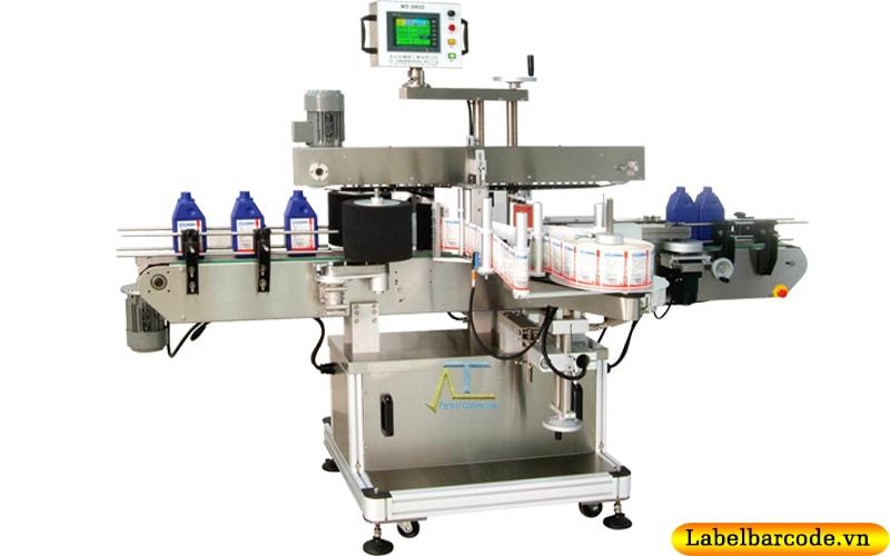 Máy dán nhãn chai dẹt tự động dán nhãn 2 mặt