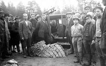 Photo: Pirtukuorma 1920-luvun lopulla