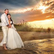Wedding photographer Sergey Shikin (blitzfoto). Photo of 07.10.2013