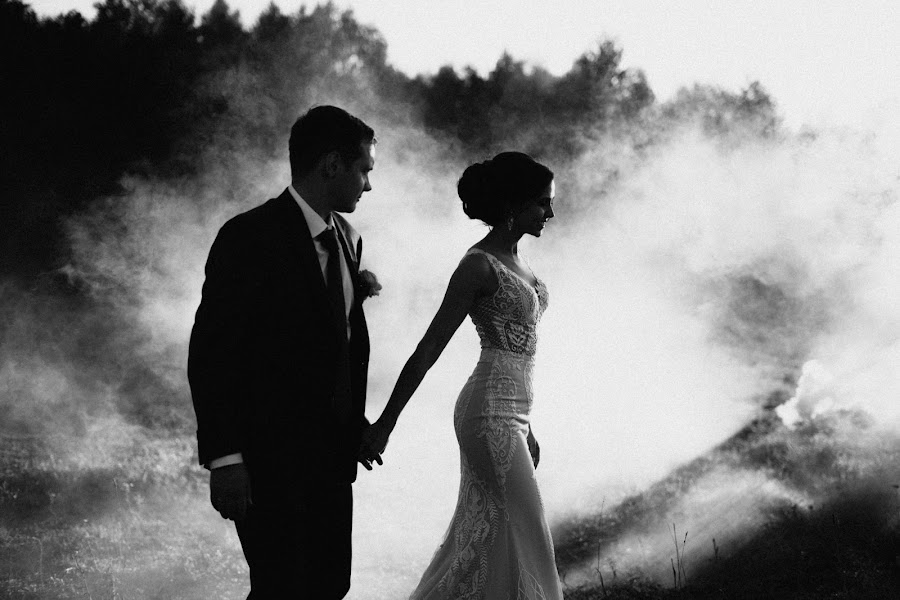 Wedding photographer Darya Bulavina (Luthien). Photo of 06.12.2017