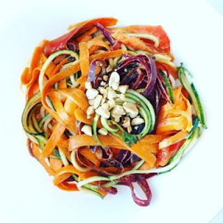 Raw Veggie Noodles With Peanut Sauce