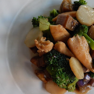 Chicken and Veggies in Brown Sauce