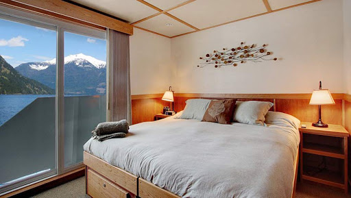 Relax in a Captain Stateroom aboard the 22-passenger Safari Quest.